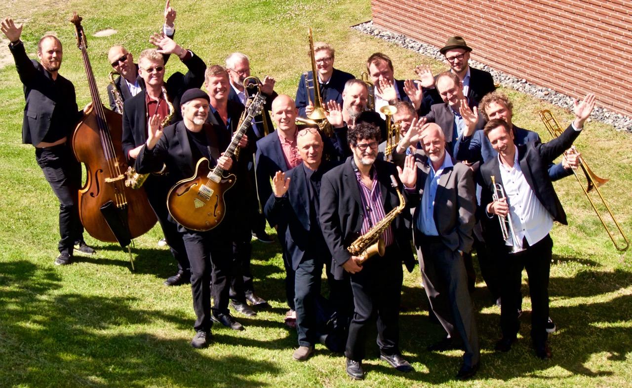 Tiptoe Big Band +